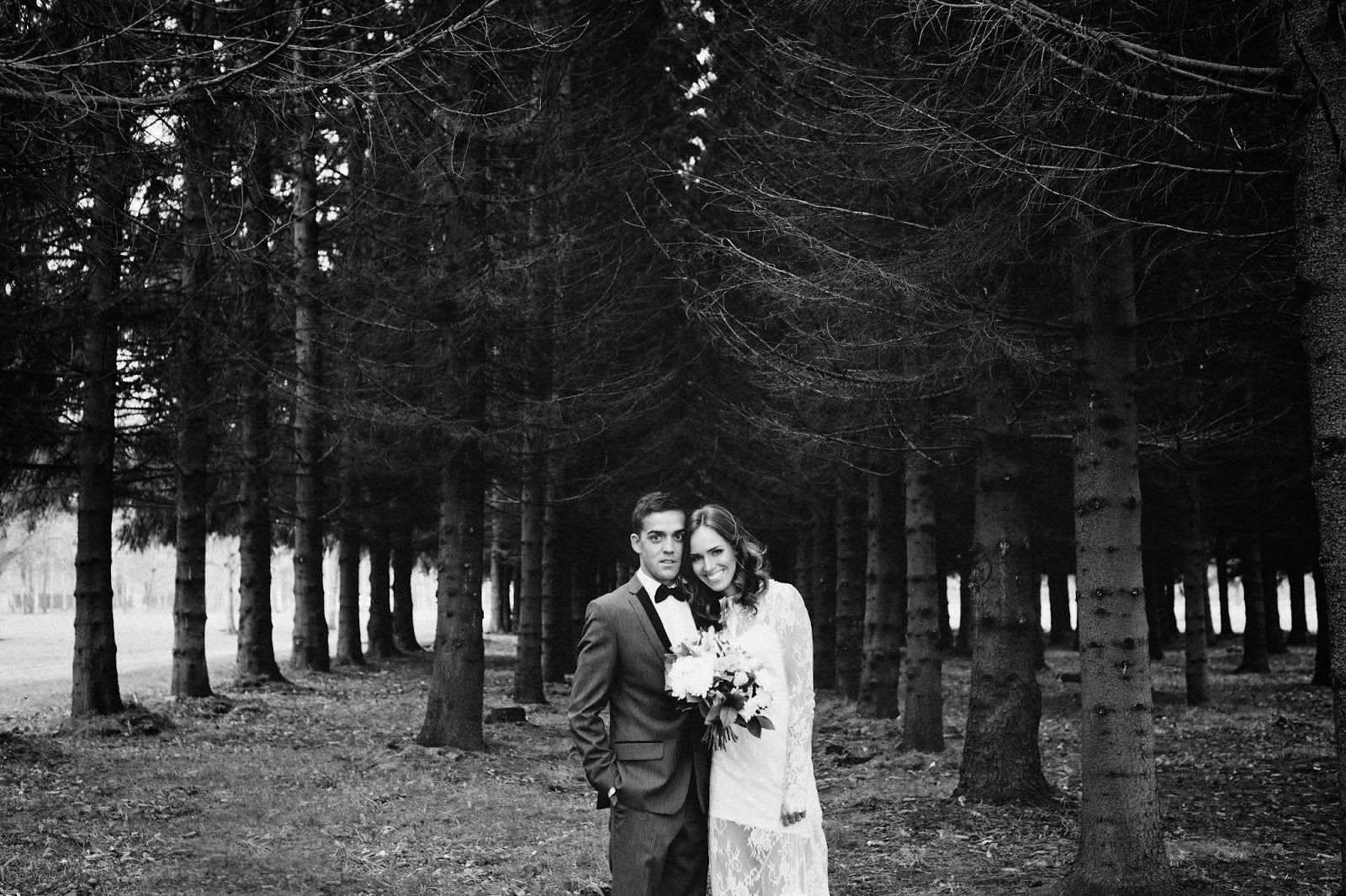 wedding-photo-in-woods-black-white kristjaana ja richard mere pulm