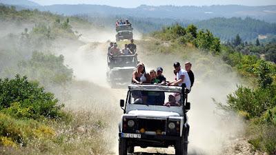 جولة سياحية في انطاليا, جيب سفاري, جولات سياحية في انطاليا تركيا,