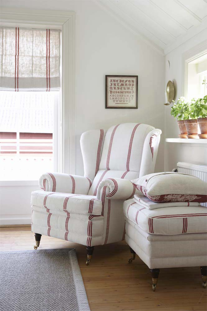 delorme designs  red and white part deux