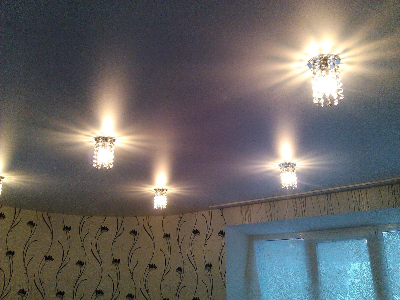 Светильники под натяжной потолок фото