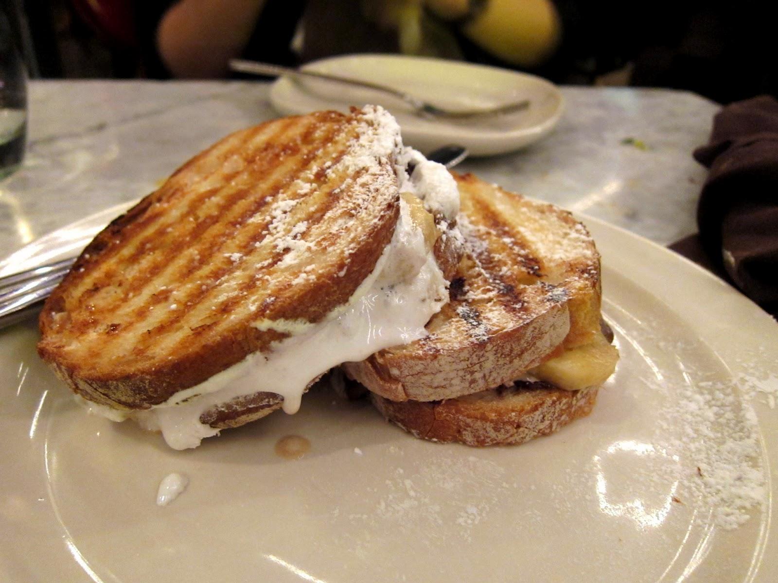 Panino con Nutella c hocolate hazelnut s pread, marshmallow cream ...