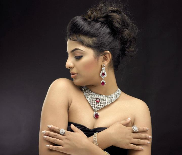 Mythili latest hot photoshoot