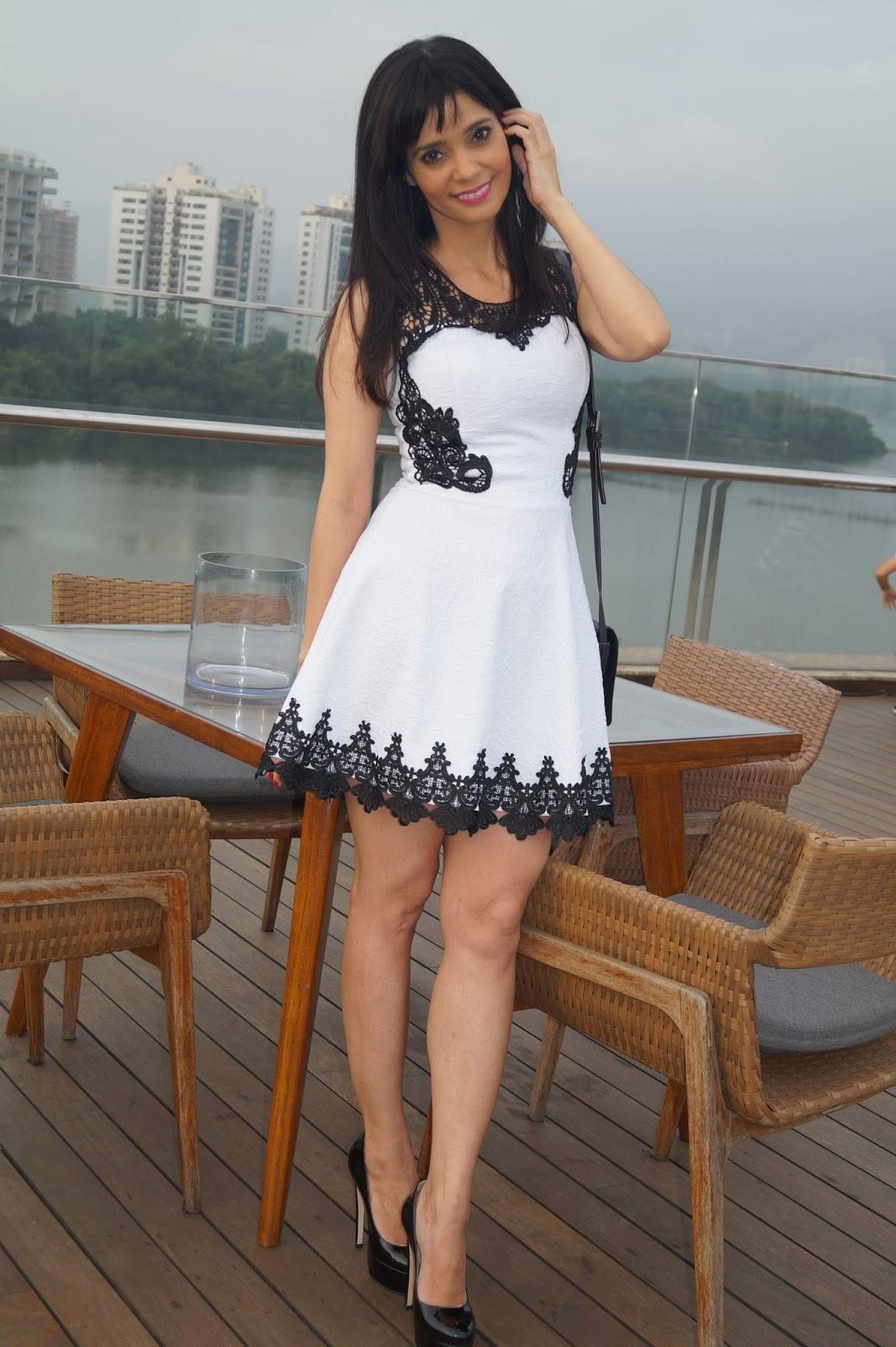Vestido preto e branco riachuelo