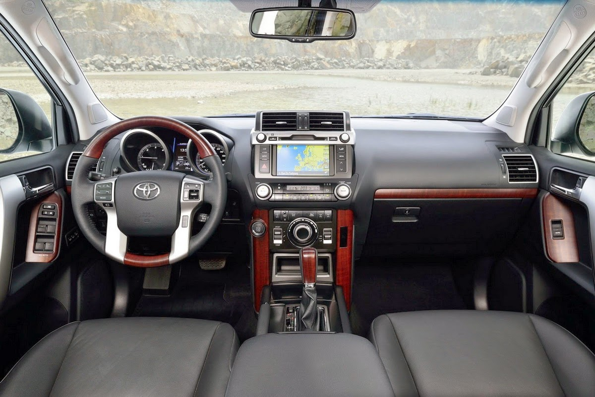 Toyota Land Cruiser foto de interior