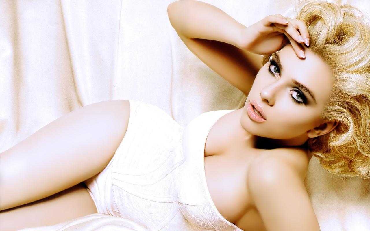 Scarlett Johansson Latest Hot Wallpapers 2012 ~ 521