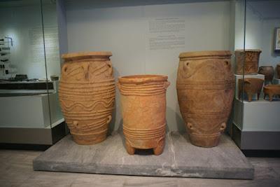 Αποκατάσταση του πίθου στο Αρχαιολογικό Μουσείου Ηρακλείου