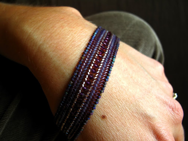 Free Jewelry Making Seed Bead Weaving and Free Patterns Beth Hemmila of Hint Jewelry