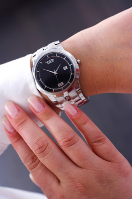 Ladies big dial face watch