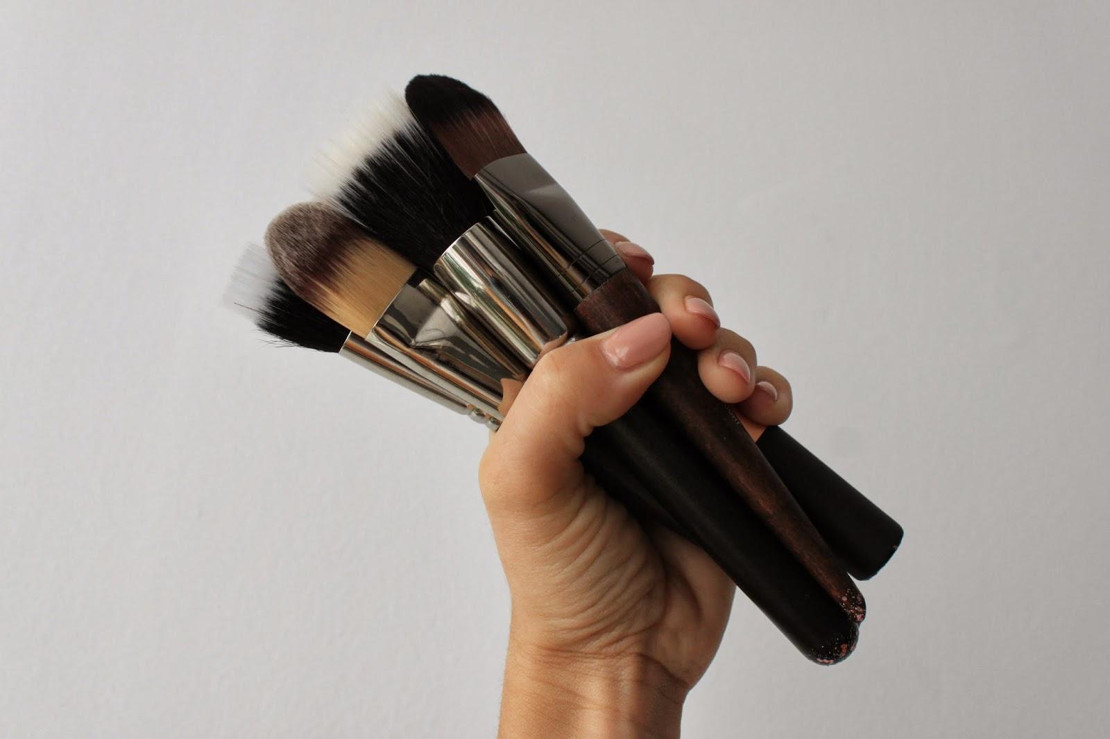 Mis Pinceles Favoritos - Bases de Maquillaje