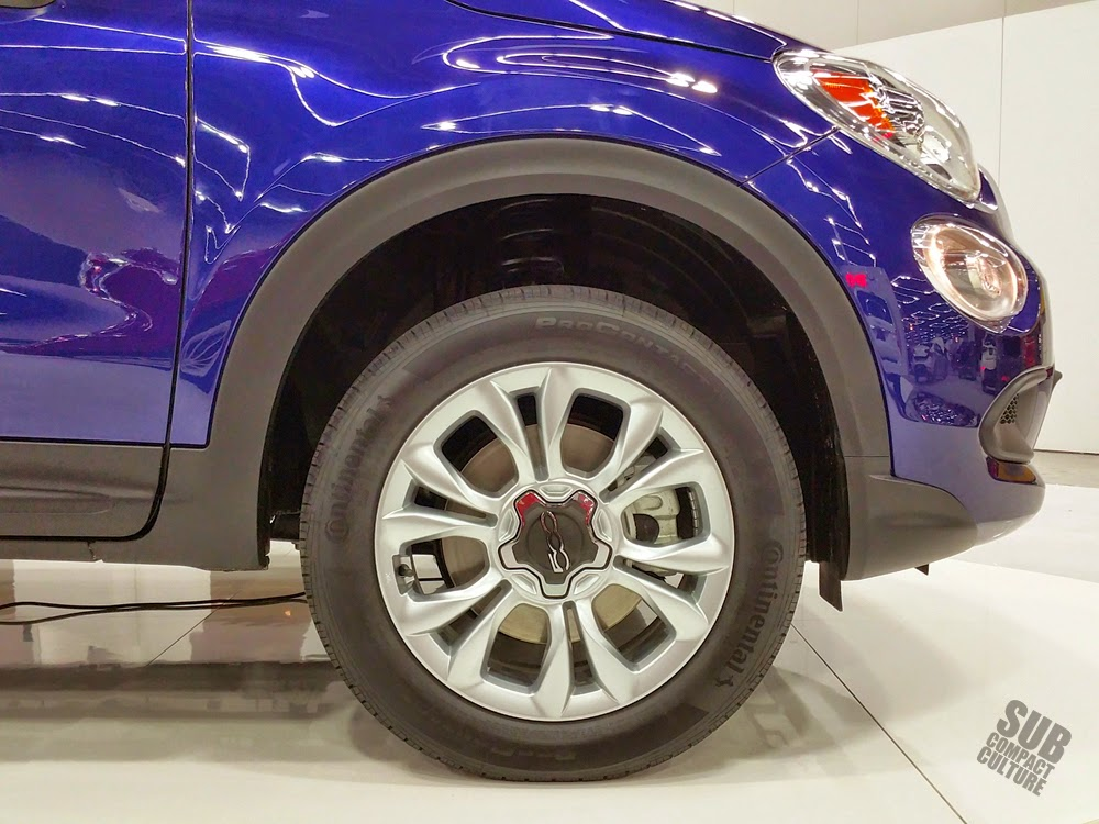 Fiat 500X wheel and tire