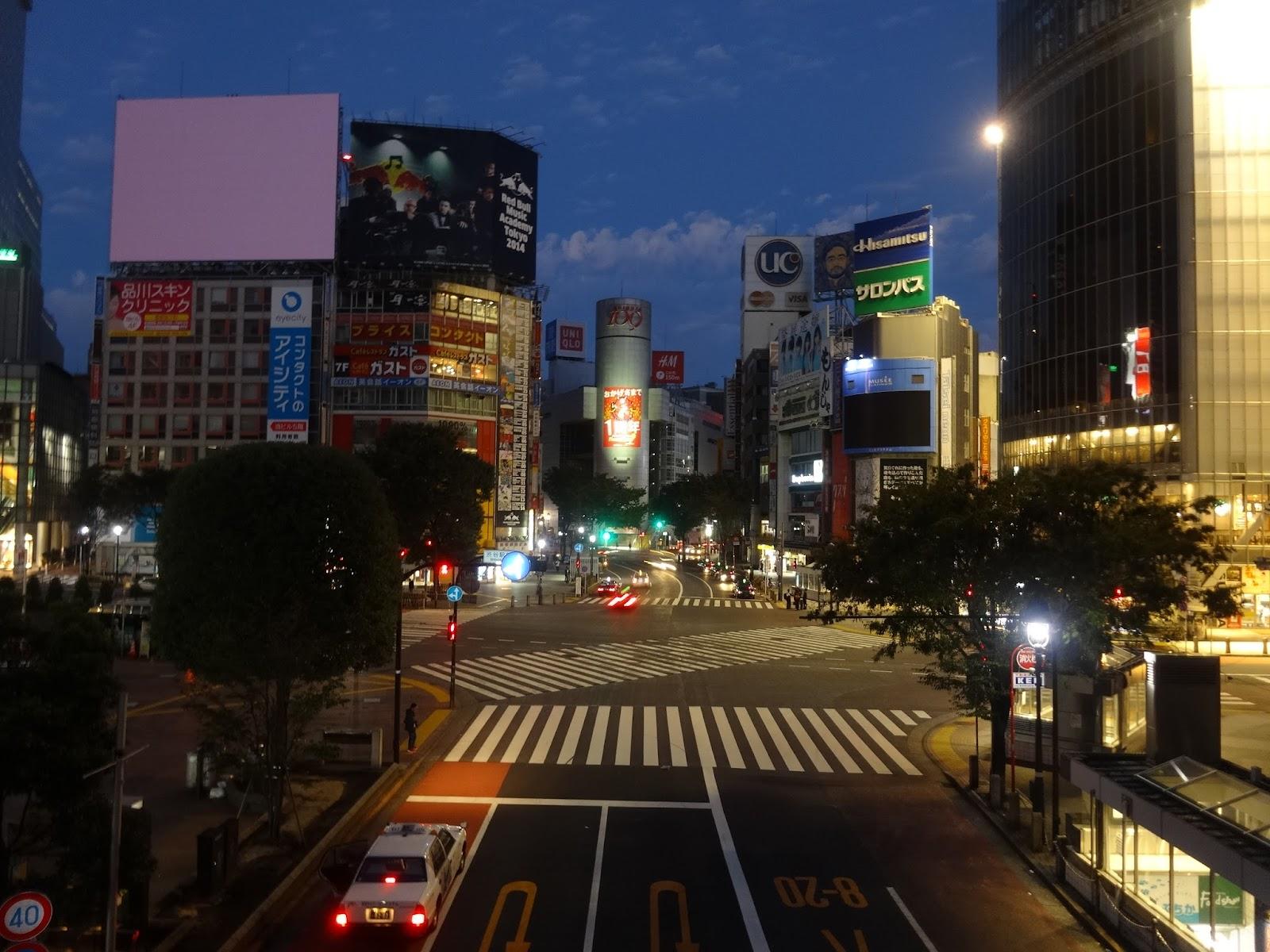 夜景,渋谷駅前スクランブル交差点,渋谷109,渋谷ハチ公前〈著作権フリー画像〉Free Stock Photos