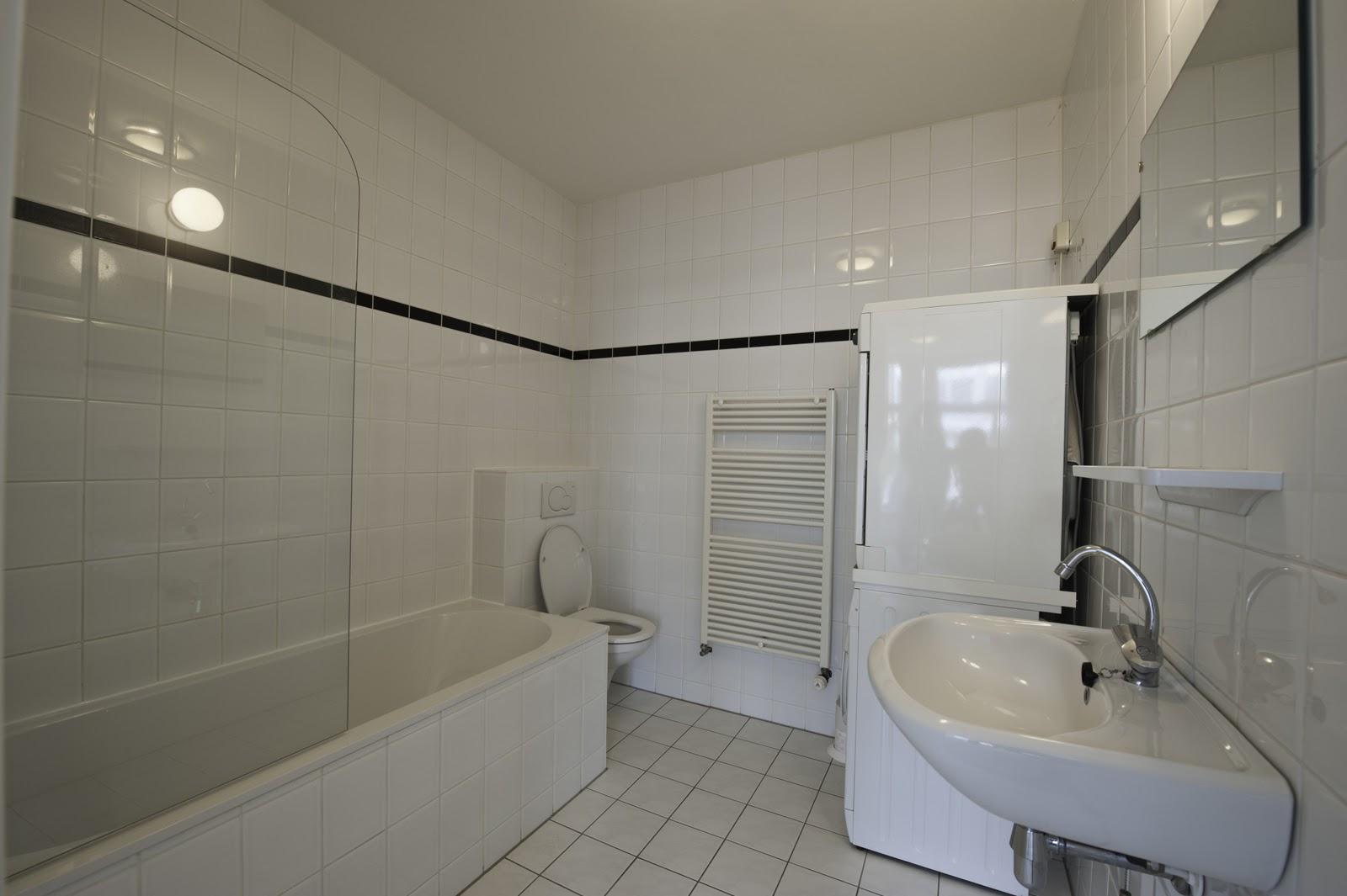 Badkamer + wasmachine en droger | Heerlijk huis in de Pijp