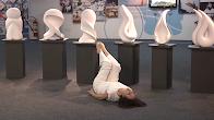 Performance e Audiodescrição Mediadora da Exposição Movimento em Branco.