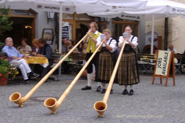 Empregos no Turismo  na Austria, Alemanha, Tirol e Suíça