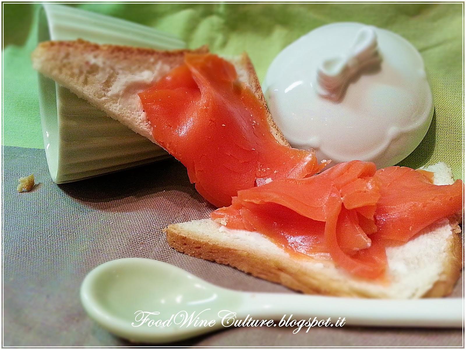 Crostini al Salmone in Burro Aromatico