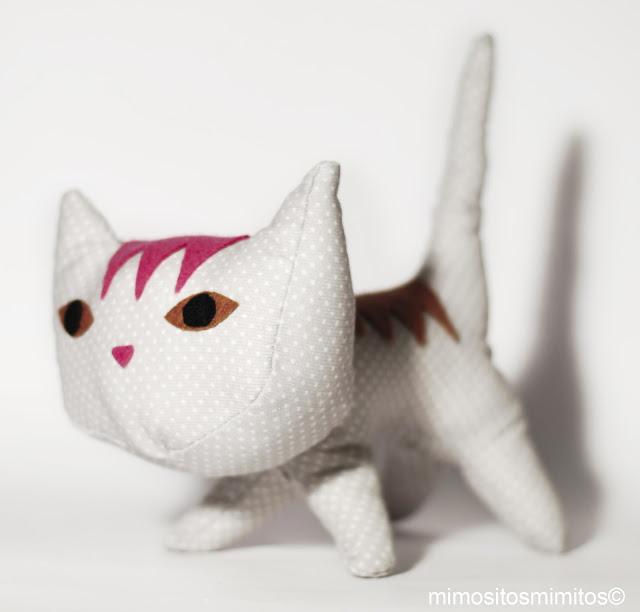 gato de tela hecho a mano personalizado customizado