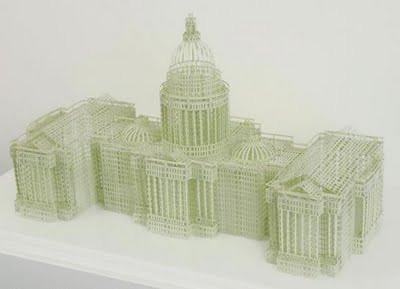 Foto Miniatur Gedung dan KA dari Kertas