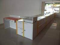 furniture interior semarang etalase display pajangan toko handphone smartphone05