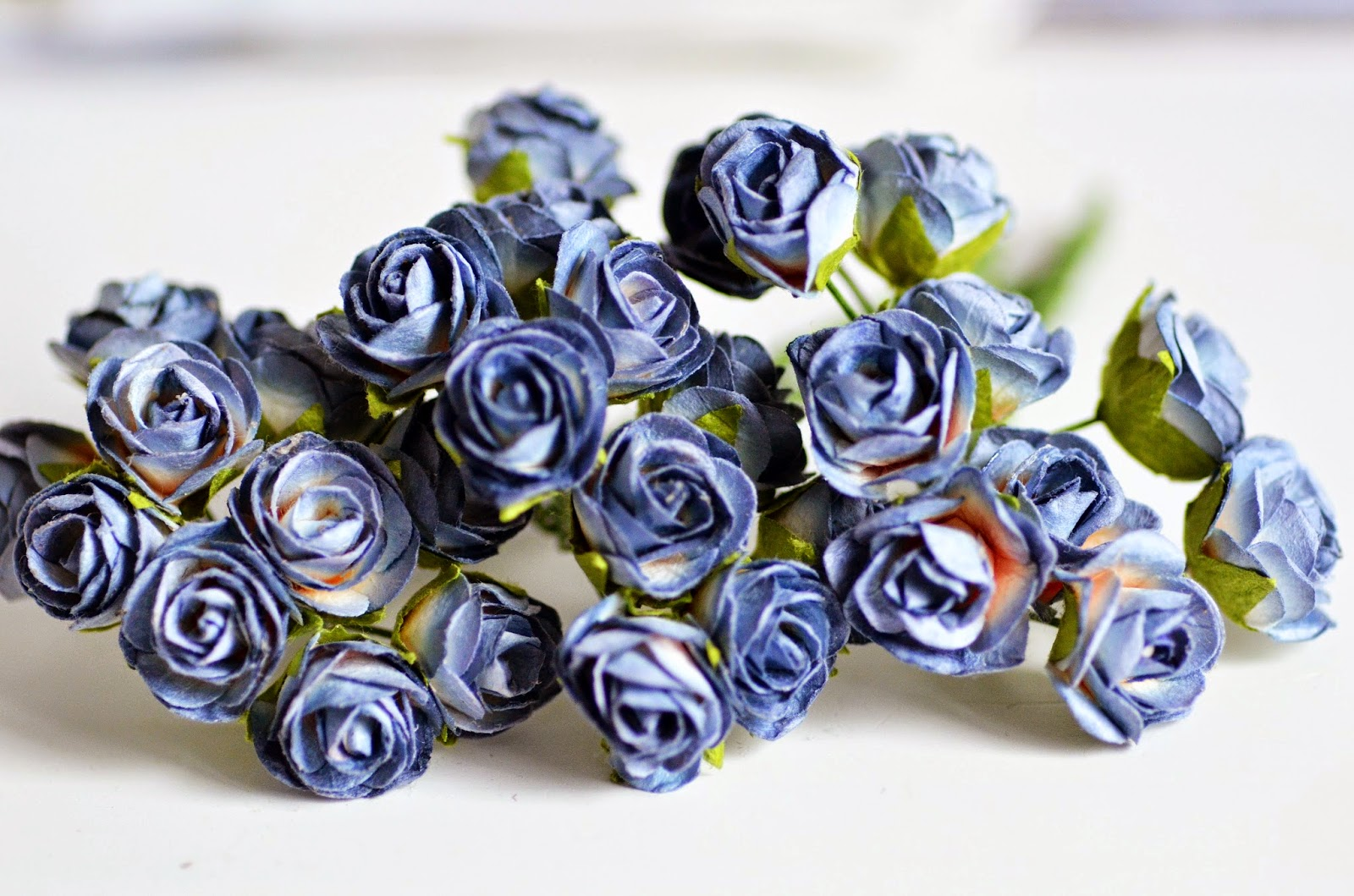 http://kolorowyjarmark.pl/pl/p/Kwiatki-RozyczkiGranatowe-Cieniowane-10szt-/2470