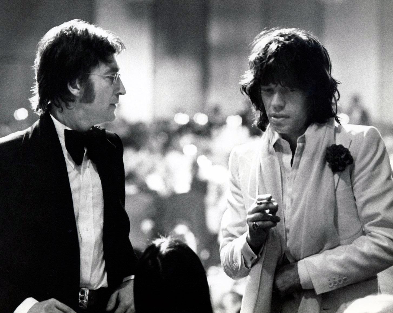 http://2.bp.blogspot.com/-AljIqyk7AaY/UJBCluhoTaI/AAAAAAAA0Ac/_uRoJ4lhJd0/s1600/Mick+Jagger+&+John+Lennon.+New+York+City+1972.+Photo+by+Bob+Gruen.jpg