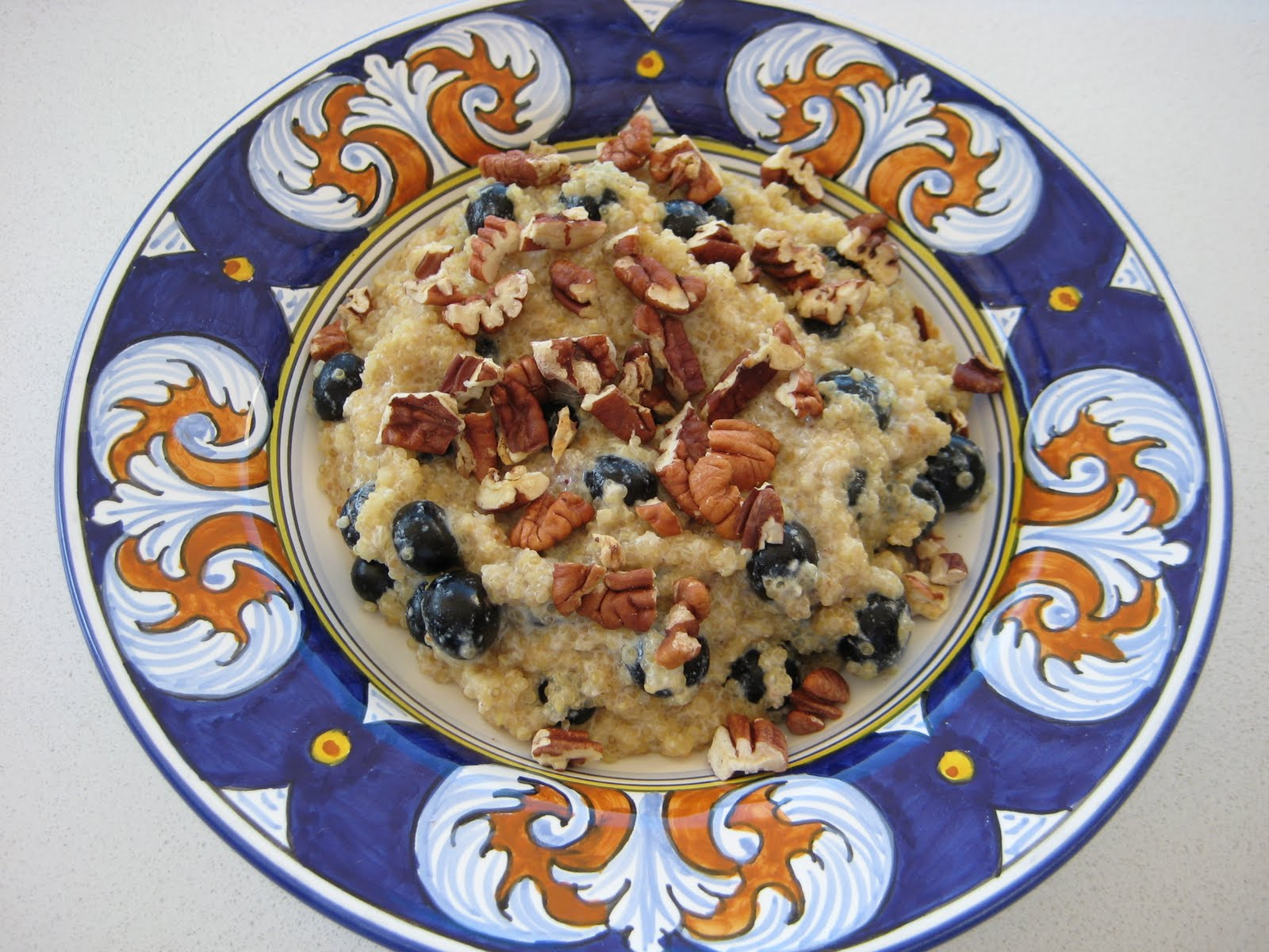 Lexi's Kitchen: QUINOA PORRIDGE WITH BLUEBERRIES AND PECANS