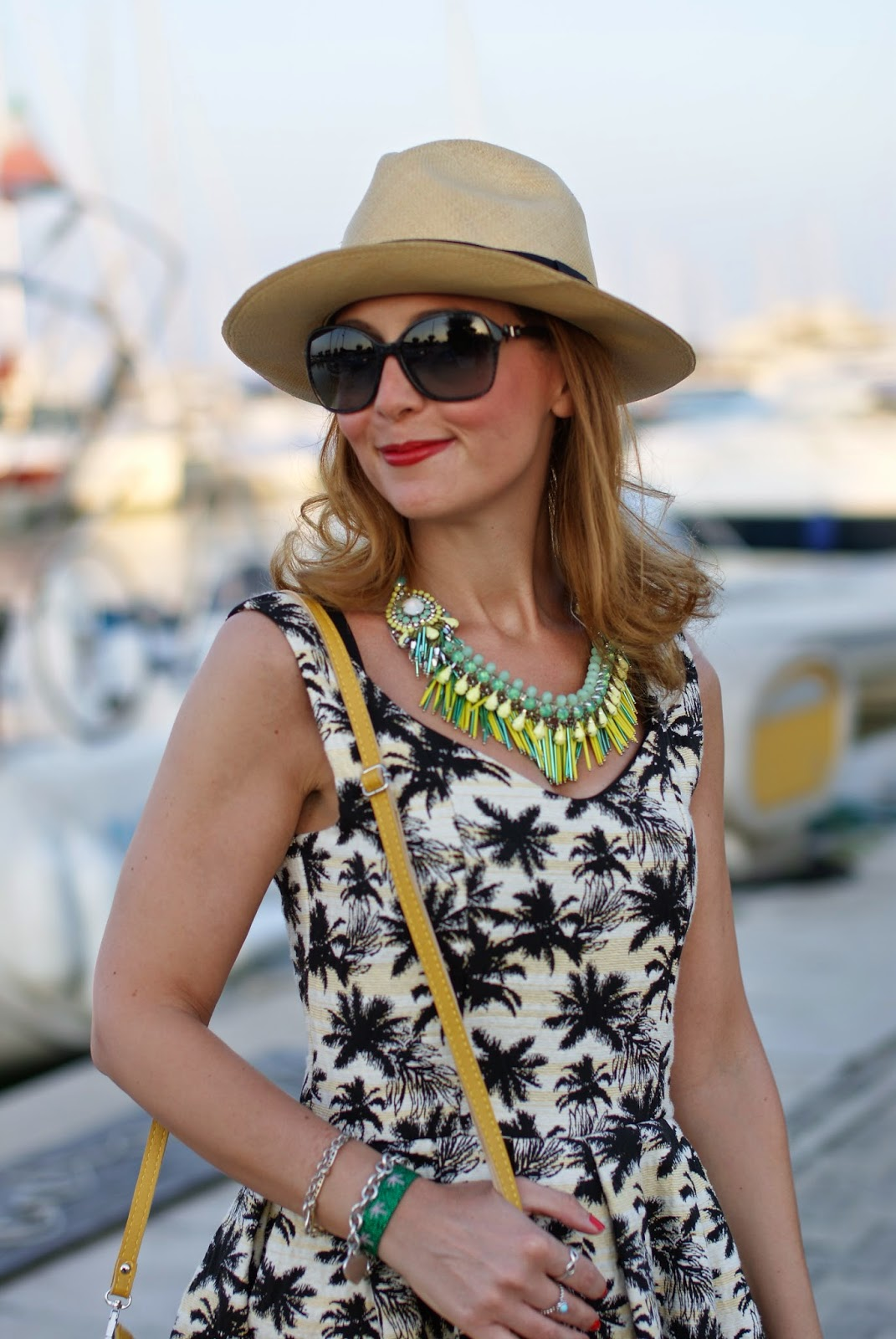 Dixie abito palme, Sodini necklace, collana gialla sodini, ecua-andino beige hat, Fashion and Cookies, fashion blogger