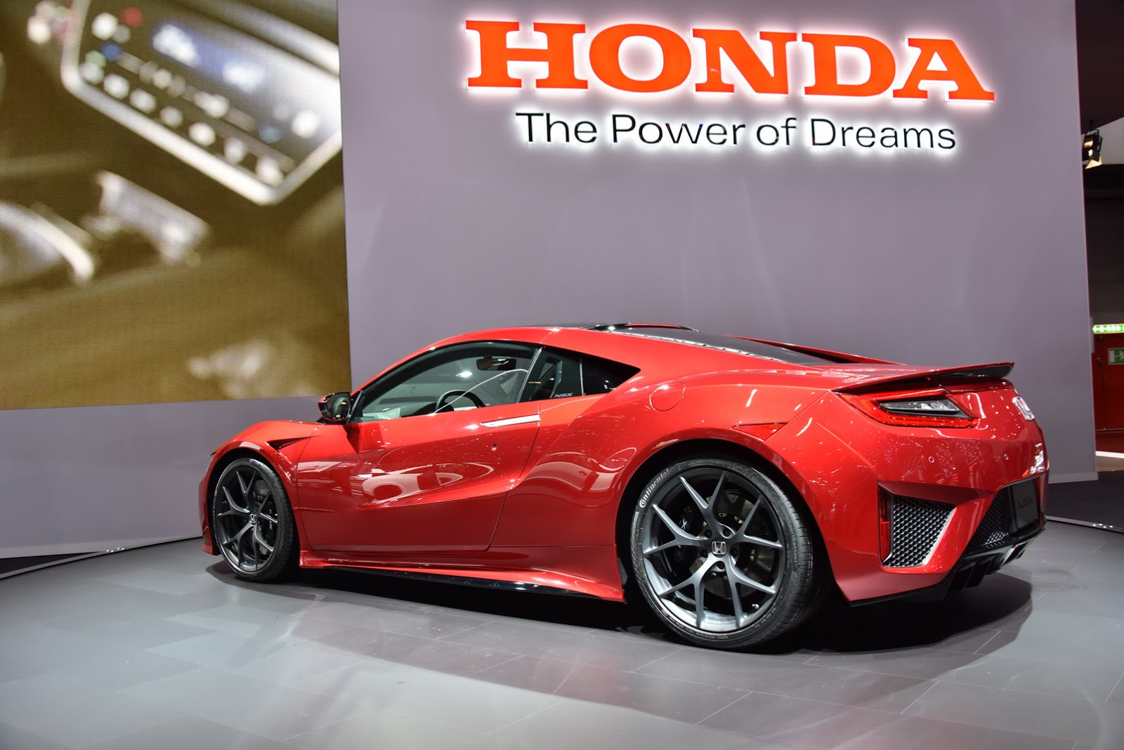 new nsx makes its debut as a honda in geneva. Black Bedroom Furniture Sets. Home Design Ideas
