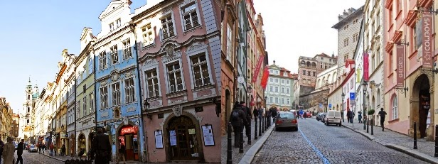 Nerudova Sokağı