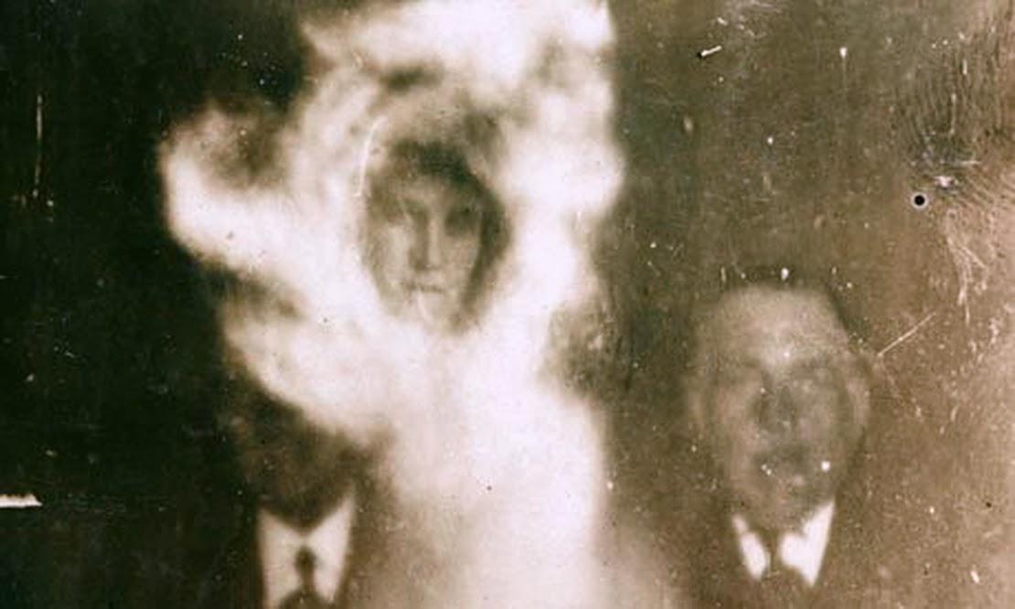 Bukti Foto Hantu