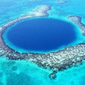 Great-Blue-Hole-Belize - South America