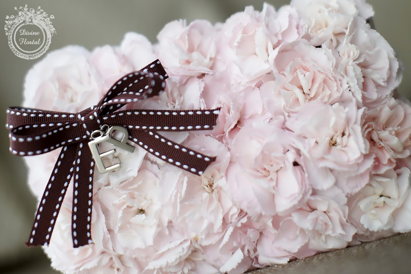 Divine Floreal: Bouquet for Traditional Chinese Wedding Gown