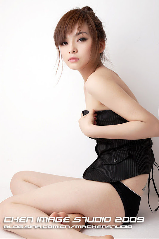 Chinese hot girl Wang Ruo Yi
