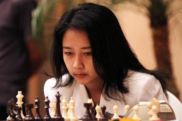 Biografi Irene Kharisma Sukandar - Grand Master Catur Indonesia