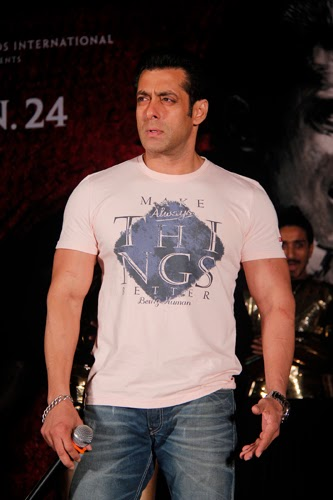 Salman Khan with Daisy Shah Promoting Jai Ho Movie Gallery