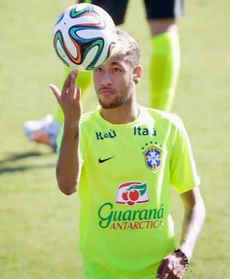 Craque Neymar se diz recuperado para enfrentar a Colômbia