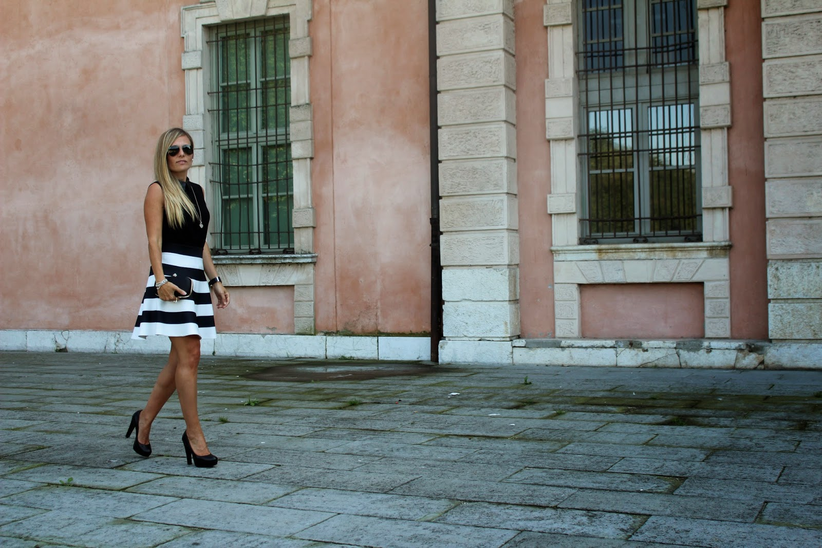 Eniwhere Fashion - Outfit black and white - Lograto