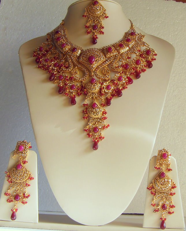 Incredible Indian Bridal Gold Sets Designs for Jewelry 644 x 800 · 94 kB · jpeg