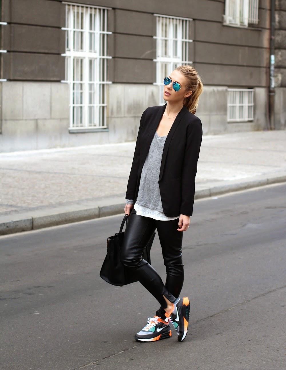 Cómo Vestir con Pantalones de Cuero