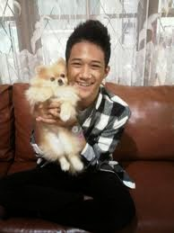 foto dicky smash bawa kucing