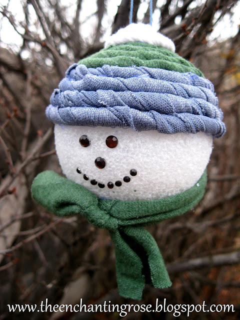 alt='DIY Adorable snowman ornament""