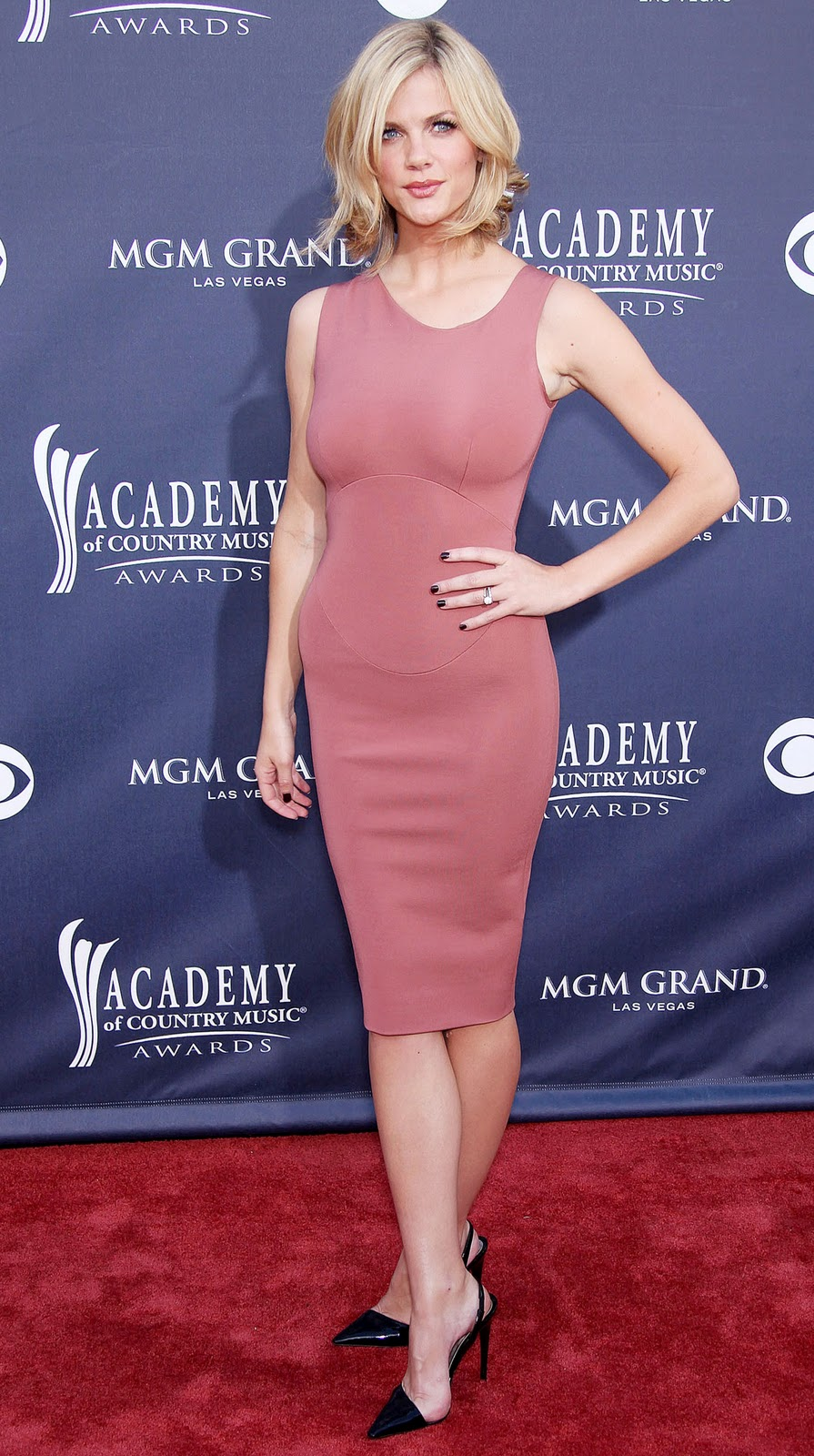 Brooklyn Decker 46th Annual Academy Music Award 2011