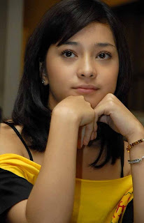 Nikita Willy Artis Tercantik