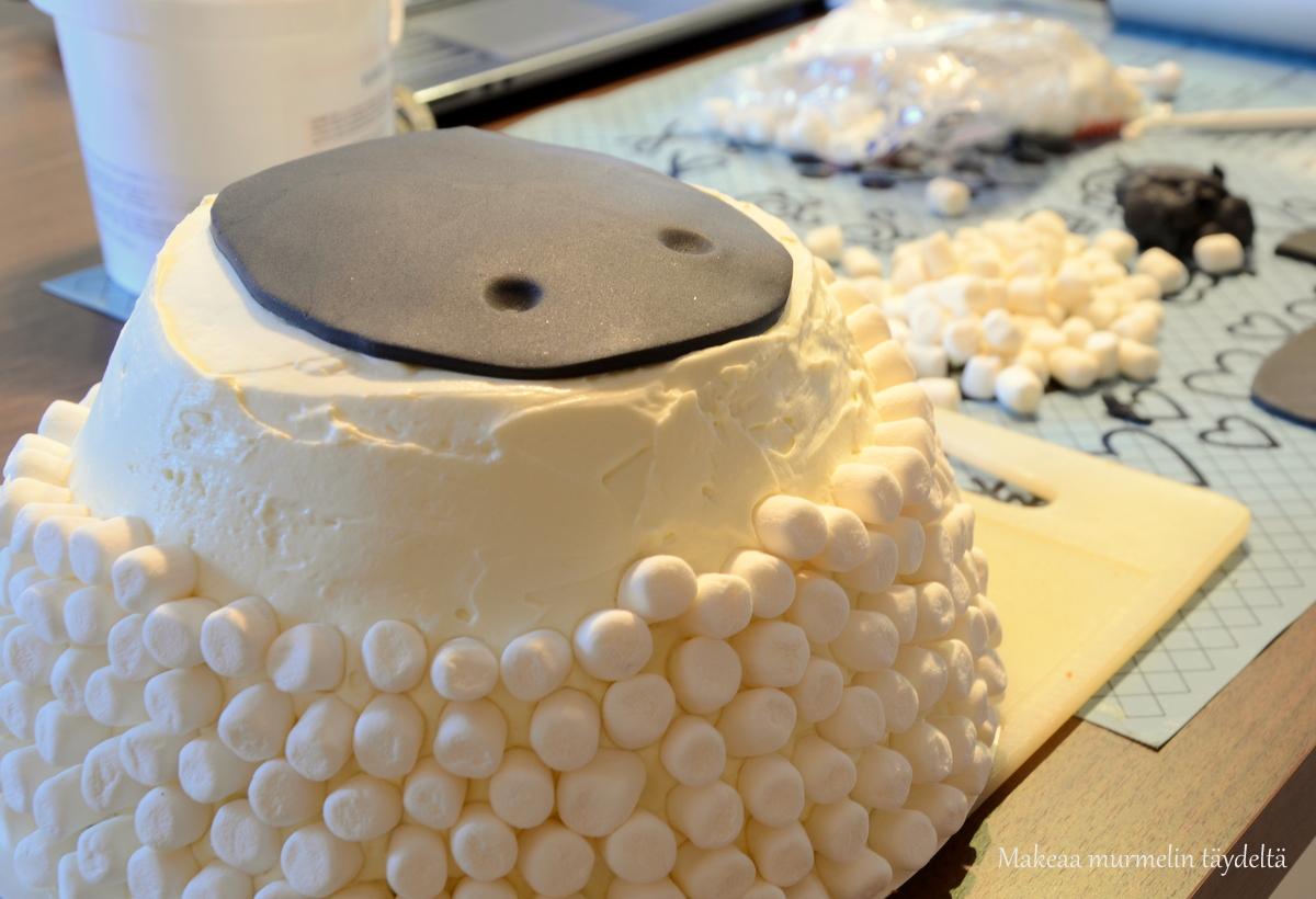 making shaun the sheep cake
