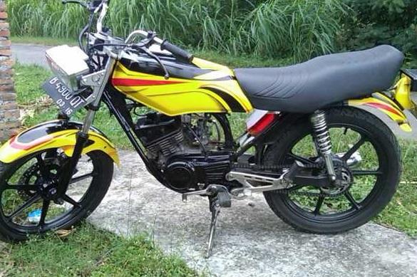 modifikasi motor rx king warna kuning  tahun ini