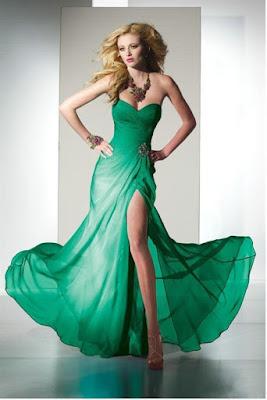 vestido com fenda na lateral