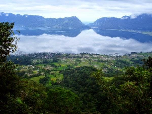 Maninjau lake; The second largest lake in West Sumatra