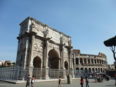 ancient roman ruins, arch