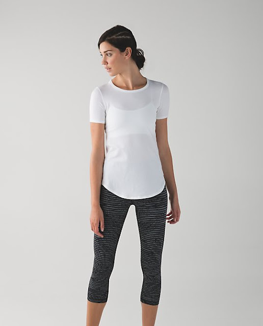 lululemon-stripe-play wunder-under-crop