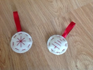 mini felt Christmas ornaments