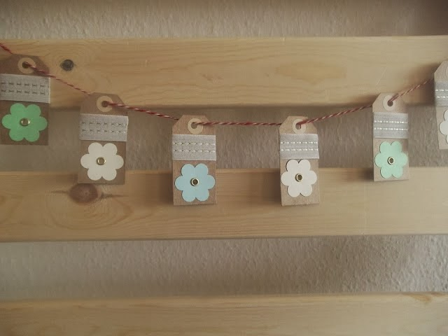 paper tag garland